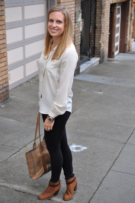 Club Monaco blouse (old), J. Crew leggings, Old necklace, Michael Kors watch (old), TEXI leather bag